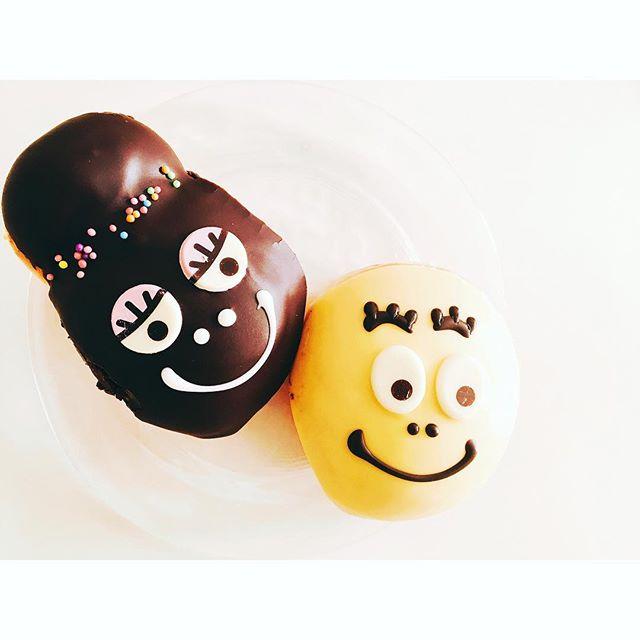 クリスピードーナツでは今こんなに可愛い️バーパパシリーズのドーナツが販売されています・・これから卒業パーティーやイースターパーティーにピッタリ️・・ぜひみなさんも可愛い️テーブルスタイリングに・・#クリスピードーナツ #クリスピークリームドーナツ #バーバパパ#可愛い#インスタ映え#ドーナツ#パーティー#卒業パーティー #イースター#テーブルこーディネート#子供#子供喜ぶ#love #happy#happysun照屋陽子#女子会 (Instagram)